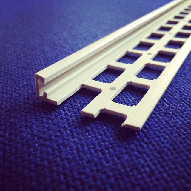 10mm ivory upvc stop bead 2 5m upvc